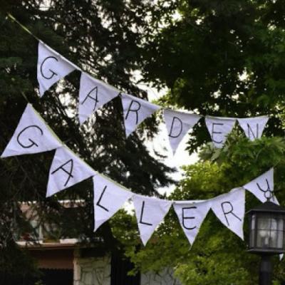 DIY Garden Art Gallery…